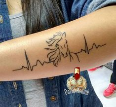 horse tattoo tatuagem cavalo - Art Of Equitation Ekg Tattoo, Piercing Tattoo, Piercings, Body Art Tattoos, New Tattoos, Tattoo Drawings, Small Tattoos, Tattoos Skull, Horse Tattoo Design