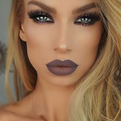 """""""@nikkifrenchmakeup created ombré perfection with Gravity and Iced Mocha liquid lipsticks! We have to try this right now use code ✨GCSAVEfor a…"""""""