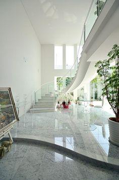 エレガントに住まう|建築実例|高級注文住宅│アーネストアーキテクツ Mansion Interior, Bungalow House Design, Japanese House, My Dream Home, Dream Homes, Ideal Home, Entrance Hall, Future House, Interior Architecture