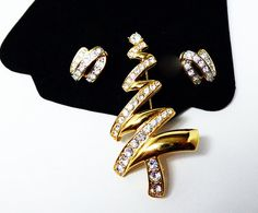 New Listings Daily - Follow Us for UpDates - Back to School Sale - Shop Now!!! 20% off As Marked! Monet Christmas Brooch & Earrings Set - Modernist Abstract Goldtone Christmas Tree Pin w Matching Earrings - Goldtone a... #vintage #jewelry #teamlove #etsyretwt #ecochic