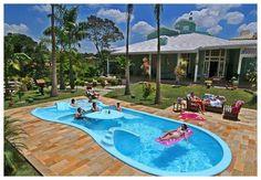 E o que pode ser melhor do que uma piscina para ajudar a se refrescar nos dias quentes, ainda mais aqui no Brasil não existe meio termo: ou está muito frio ou