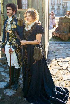 Leopoldina (Leticia Colin) figurino Novo Mundo