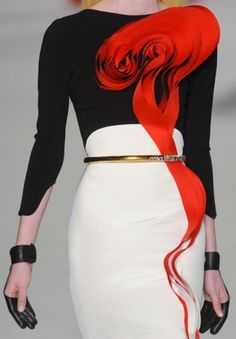 Stephane Rollan S/S 2012 Haute-Couture Runway Details