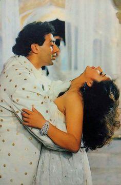 Obtain Latest and Old Bollywood song lyrics. Read Hindi song lyrics at Bollywood Hungama.