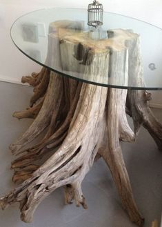 Original, simple wooden DIY furniture from tree trunks new ideas Today, furniture makers have already thought so much that when choosing for consumers decide and make luxurious, original, fabulous … Driftwood Table, Driftwood Furniture, Driftwood Projects, Wooden Furniture, Furniture Design, Furniture Makers, Furniture Ideas, Antique Furniture, Western Furniture