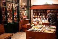 Amazing bookstore in Paris <3