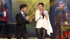 Cristina Cordula dans la télé Chante pour le Sidaction. (Cuir, Cristina Cordula).