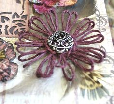 Update March I now have a video tutorial for Girlie Grunge Twine Flowers showing how to create the loom and twine flower using Donna. Twine Flowers, Yarn Flowers, Paper Flowers Craft, Flower Crafts, Diy Flowers, Flower Decorations, Burlap Crafts, Diy Crafts, Ribbon Crafts