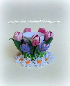 To co robię i co lubię: Quilling-jajczarka 3d Quilling, Quilled Roses, Paper Quilling Flowers, Quilling Tutorial, Quilling Earrings, Paper Quilling Designs, Quilling Paper Craft, Quilling Patterns, Paper Crafts