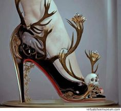 Scary gorgeous skull shoes Black magic by Natalie Shau Crazy Shoes, Me Too Shoes, Weird Shoes, Dream Shoes, Funny Shoes, Shoe Art, Art Shoes, Black Magic, Beautiful Shoes