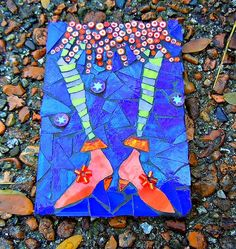 """WitchyPoo's New Shoes"" by Cindi Buhrig Mosaic Stepping Stones, Pebble Mosaic, Mosaic Diy, Mosaic Garden, Mosaic Crafts, Mosaic Projects, Stone Mosaic, Mosaic Glass, Mosaic Tiles"