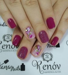 31 Fotos de Unhas Decoradas com Esmalte Roxo Shellac Nails, Nail Manicure, My Nails, Nail Polish, Fancy Nails, Cute Nails, Pretty Nails, Acryl Nails, Finger Nail Art