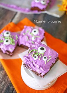Monster Brownies - such a fun & easy treat to make for Halloween. on kleinworthco.com