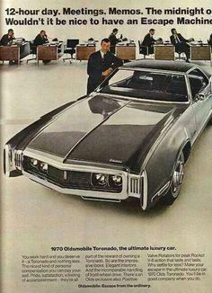 1970 Oldsmobile Toronado ad Cars Usa, Us Cars, Vintage Advertisements, Vintage Ads, Amc Gremlin, Oldsmobile Toronado, Car Advertising, Retro Cars, Classic Cars