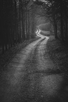 Scary Photography, Scenic Photography, Beautiful Roads, Beautiful Landscapes, Nocturne, Rain Wallpapers, Dark Castle, Macabre Art, Sombre