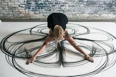 Heather Hansen създадете свои прекрасни танцови движения към рисунки с въглен | Eye See Chaos