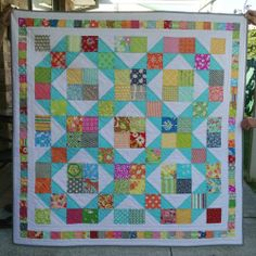 Easy and attractive, great stash buster, spotted on The Janelle Wind Collection blog. mari quilt, mary mary, charms, charm squar, babi quilt, baby quilts, quilt patterns, mari mari, collect blog