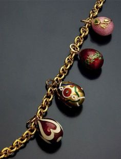 """""""Antique Russian Gold Guard Chain Link Necklace with Small Faberge House Gold, Enamel, and Jewelled Eggs."""" My daughter was given a necklace like this - it belonged to her great grandmother who was the daughter of a Russian apothecary! Antique Gold, Antique Jewelry, Vintage Jewelry, Faberge Jewelry, Fashion Accessories, Fashion Jewelry, Egg Art, Bijoux Diy, Jewelry"""