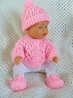 Waffle Cardigan pattern by Jacqueline Gibb : Simone, a PDF Pattern for a Waffle Cardigan Set to fit most popular 18 and dolls. Knitting Dolls Clothes, Crochet Doll Clothes, Knitted Dolls, Doll Clothes Patterns, Doll Patterns, Crochet Baby Dress Free Pattern, Baby Knitting Patterns, Baby Blanket Crochet, Baby Born Clothes