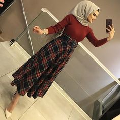 Instagram hesabım=cerenakcan2007 Casual Teen Fashion, Hijab Fashion Summer, Modern Hijab Fashion, Hijab Fashion Inspiration, Indian Fashion Dresses, Muslim Fashion, Hijab Casual, Hijab Chic, Hijab Dress