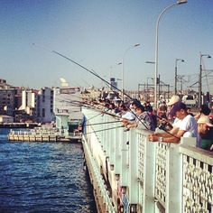 Galata Köprüsü in İstanbul, İstanbul Fee: No Recommended length of visit: 1-2 hours Description: This bridge spans the Golden Horn, connecting the old city with Beyoglu, the  northern district of Istanbul. http://www.tripadvisor.co.uk/Attraction_Review-g293974-d296540-Reviews-Galata_Bridge-Istanbul.html