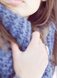 Blue knitted scarf. Winter Sweaters, Cozy Sweaters, Sweater Weather, Winter Love, Winter Style, Autumn Winter Fashion, Blue Style, My Style, Cold Wear