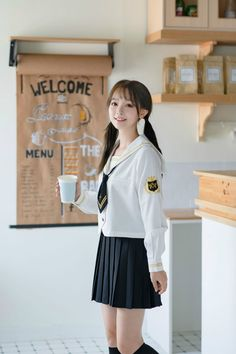 Cute Asian Girls, Cute Girls, Japan School Uniform, Girls Uniforms, High School Girls, Western Outfits, Occasion Wear, Ulzzang Girl, Modern Fashion