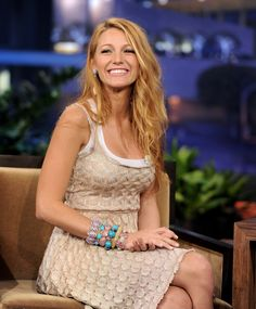 The same night as her pretty premiere appearance, Blake Lively donned another lovely look as she visited The Tonight Show with Jay Leno on. Blake Lively Family, Blake Lively Style, Gossip Girls, Most Beautiful Women, Beautiful People, Perfect People, Blake Lovely, Serena Van Der Woodsen, Celebs