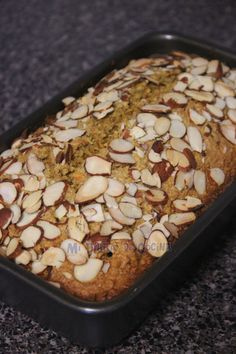 Oat cake, carrots and almonds Oats Recipes, Sweet Recipes, Dessert Recipes, Healthy Muffins, Healthy Desserts, Biscuit Bread, Snacks Saludables, Vegan Treats, Sweet Bread
