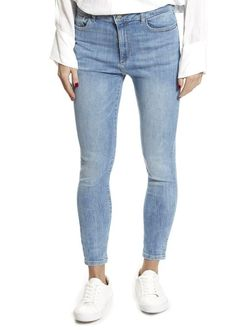 Whether you're looking for boyfriend jeans or casual trousers, this is place for you! Shop our selection of trousers here! Leggings Style, Leggings Fashion, Dl 1961, Light Denim, Trousers, Pants, Boyfriend Jeans, Denim Jeans, Slim
