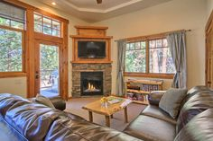 Check out this awesome listing on Airbnb: Comfy King Suite Really in Yosemite - Apartments for Rent in YOSEMITE NATIONAL PARK