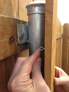 Incredible Modern fence gate hardware,Wooden fence mitre 10 and fence ideas. Diy Dog Fence, Farm Fence, Backyard Fences, Fence Landscaping, Backyard Ideas, Front Yard Fence, Fence Gate, Small Fence, Horizontal Fence