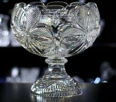Irish gifts that are fit for American Presidents. Crafts and Irish gifts that the President of the United States receives as gifts from Ireland. Waterford Crystal, Baccarat Crystal, Condolence Gift, Sympathy Gifts, Irish Independence, Flint Glass, Bereavement Gift, Irish Art, Blog Images