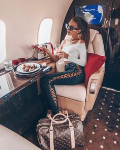 Changed plans and made it to ibiza ✈ ️❤ luxe life luxury girl Boujee Lifestyle, Wealthy Lifestyle, Luxury Lifestyle Fashion, Billionaire Lifestyle, Ibiza, Luxury Girl, Luxe Life, Rich Girl, Rich Woman