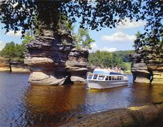 Explore where to stay, attractions and deals from the official site of the Dells. Everything you need to plan your Wisconsin Dells vacation is right here! Wisconsin River, Wisconsin Dells, Wisconsin Vacation, The Places Youll Go, Places To See, Places Ive Been, Boat Tours, Rv Parks, Nebraska