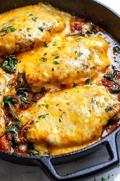Tomato Spinach Chicken Skillet – Filling, tasty and comforting – A nutritious chicken recipe for a low-carb/keto dinner option. Tomato Spinach Chicken Skillet – Filling, tasty and comforting – A nutritious chicken recipe for a low-carb/keto dinner option. Chicken Skillet Recipes, Skillet Meals, Chicken Spinach Tomato Recipe, Tasty Chicken Recipes, Chicken Recipes For Dinner, Low Calorie Chicken Recipes, Recipe Chicken, Healthy Chicken, Diabetic Chicken Breast Recipe