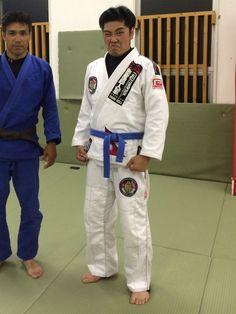 ブラジリアン柔術に適したコーディネート。 隣はヨシナガさん。