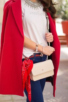 How to wear a light red coat in a spring outfit : MartaBarcelonaStyle's Blog