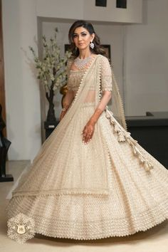 Indian Bridesmaid Dresses, Indian Wedding Gowns, Indian Gowns Dresses, Indian Bridal Outfits, Indian Bridal Fashion, Indian Fashion Dresses, Dress Indian Style, Indian Designer Outfits, Dresses For Wedding