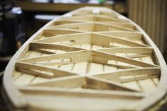Build A Surfboard 843299098950829432 - Source by alexisdescombes Wooden Model Boats, Wooden Boats, Kayaks, Wooden Surfboard, Surfboard Shop, Wooden Paddle, Sup Stand Up Paddle, Surf Design, Boat Building