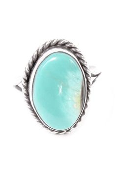 Vintage Turquoise & Sterling Ring | repinned by www.blucats.com