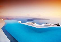 Wallpaper White And Blue Infinity Pool, Swimming Pool, Landscape Santorini Hotels, Beach Hotels, Hotels And Resorts, Santorini Island, Greece Hotels, Beach Resorts, Amazing Swimming Pools, Luxury Swimming Pools, Infinity Pools