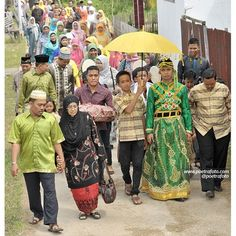 #Foto #Pengantin #Pernikahan #Perkawinan Adat #Bugis Aqsa+Lia di Enok #Inhil #Riau #Indonesia   #Wedding #Photo by @Poetrafoto Photography, http://wedding.poetrafoto.com/fotografer-pernikahan-wedding-photographer-pekanbaru_344