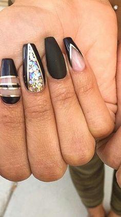 Black gold nails @toplinenails
