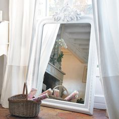 ALTESSE carved paulownia wood trumeau mirror in white H 120cm