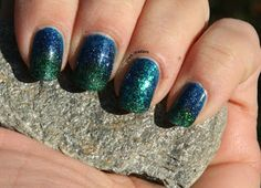 piCture pOlish gradient in blue and green