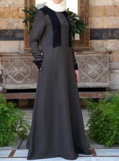 Such a classy look- 2-tone pleated #abaya. From SHUKR #Islamic clothing