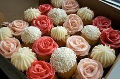 35 Cupcake Decoration Ideas for Valentine's Day - Cupcakes Rezepte Cupcakes Design, Love Cupcakes, Beautiful Cupcakes, Floral Cupcakes, Heart Cupcakes, Tea Party Cupcakes, Frost Cupcakes, Decorate Cupcakes, Elegant Cupcakes