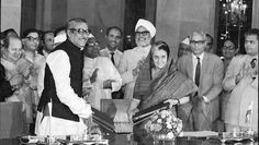 Then Indian PM Indira Gandhi signs an agreement with her Bangladeshi counterpart Sheikh Mujibur Rahman on May 16, 1974. (HT file)