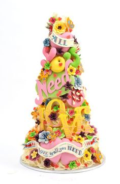 choccywoccydoodah's All you need is love cake - I will have them make my wedding cake, and that is final! Money is no object!!!